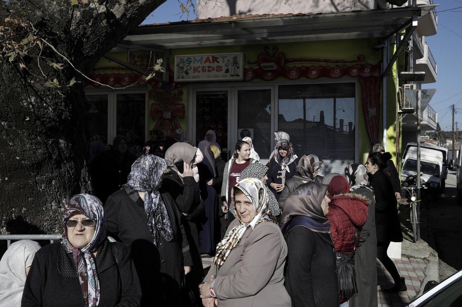 Residents of the Muslim community wait for the arrival of President Recep Tayyip Erdoğan in Komotini (Gümülcine), Greece, Dec. 8, 2017. (Getty Images)