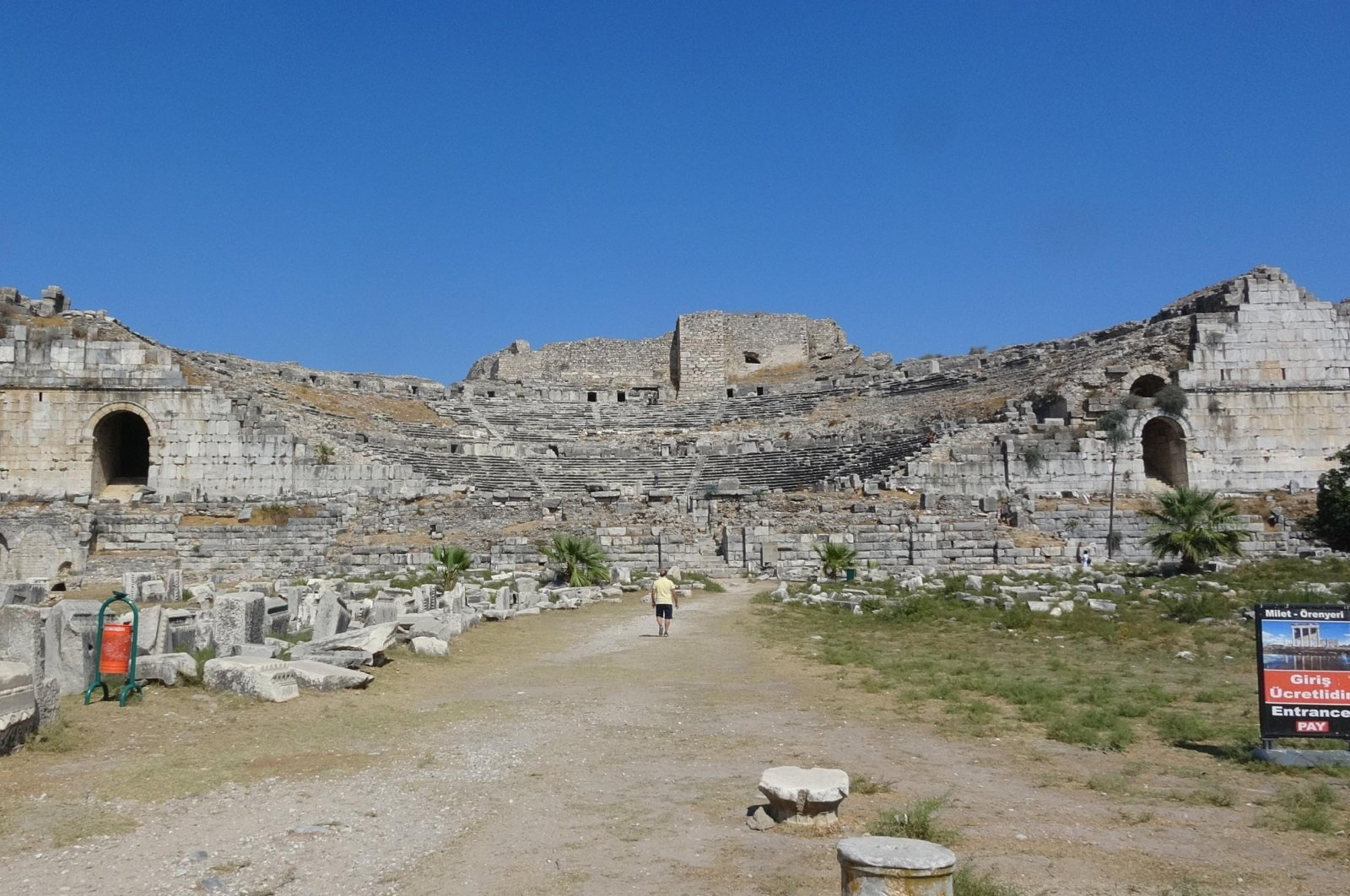 2,400-year-old houses were unearthed in an ancient city in southwestern Turkey. (DHA Photo)