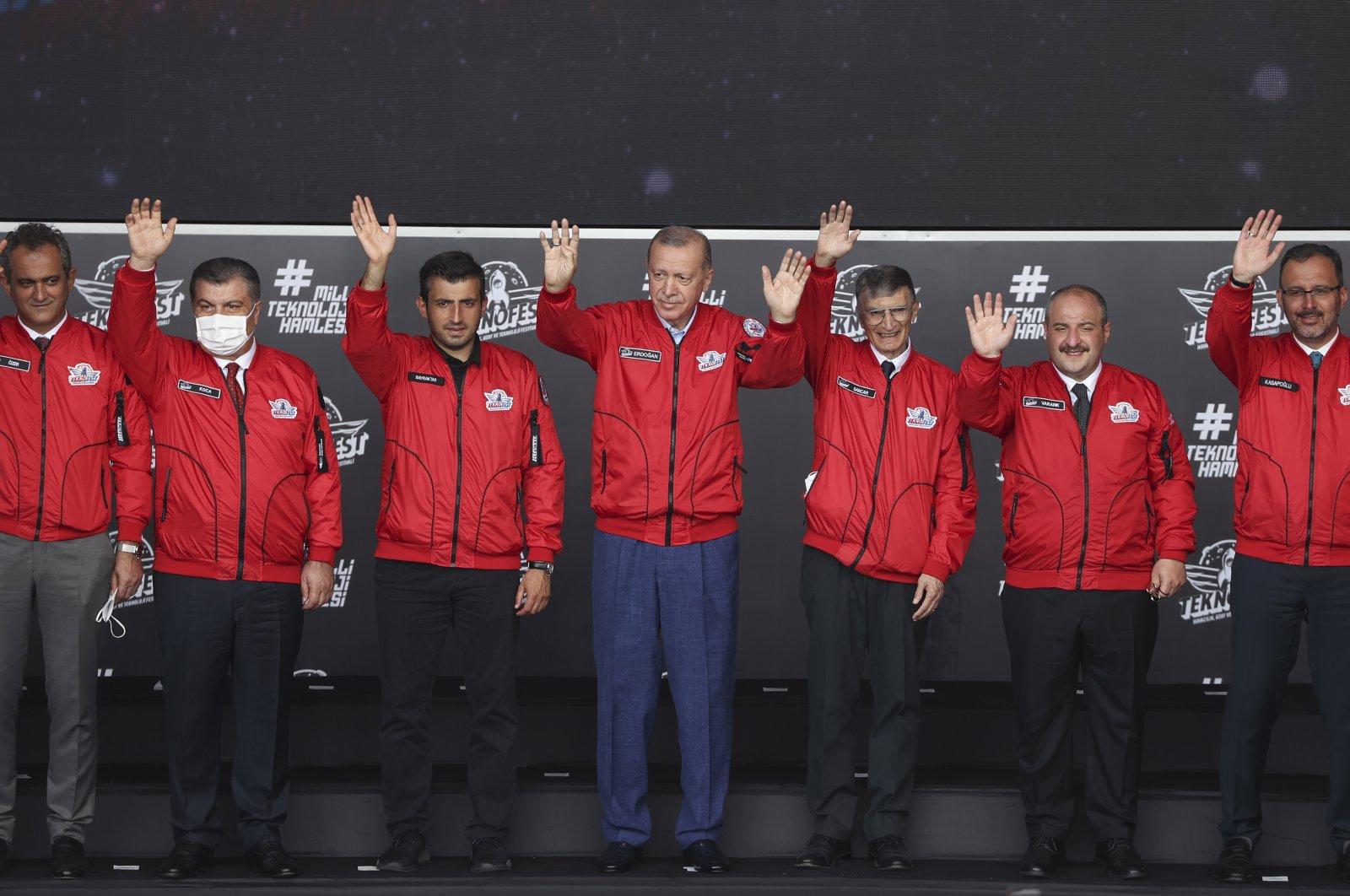 President Recep Tayyip Erdoğan (C) attends Teknofest, Istanbul, Turkey, Sept. 25, 2021. (Anadolu Agency)