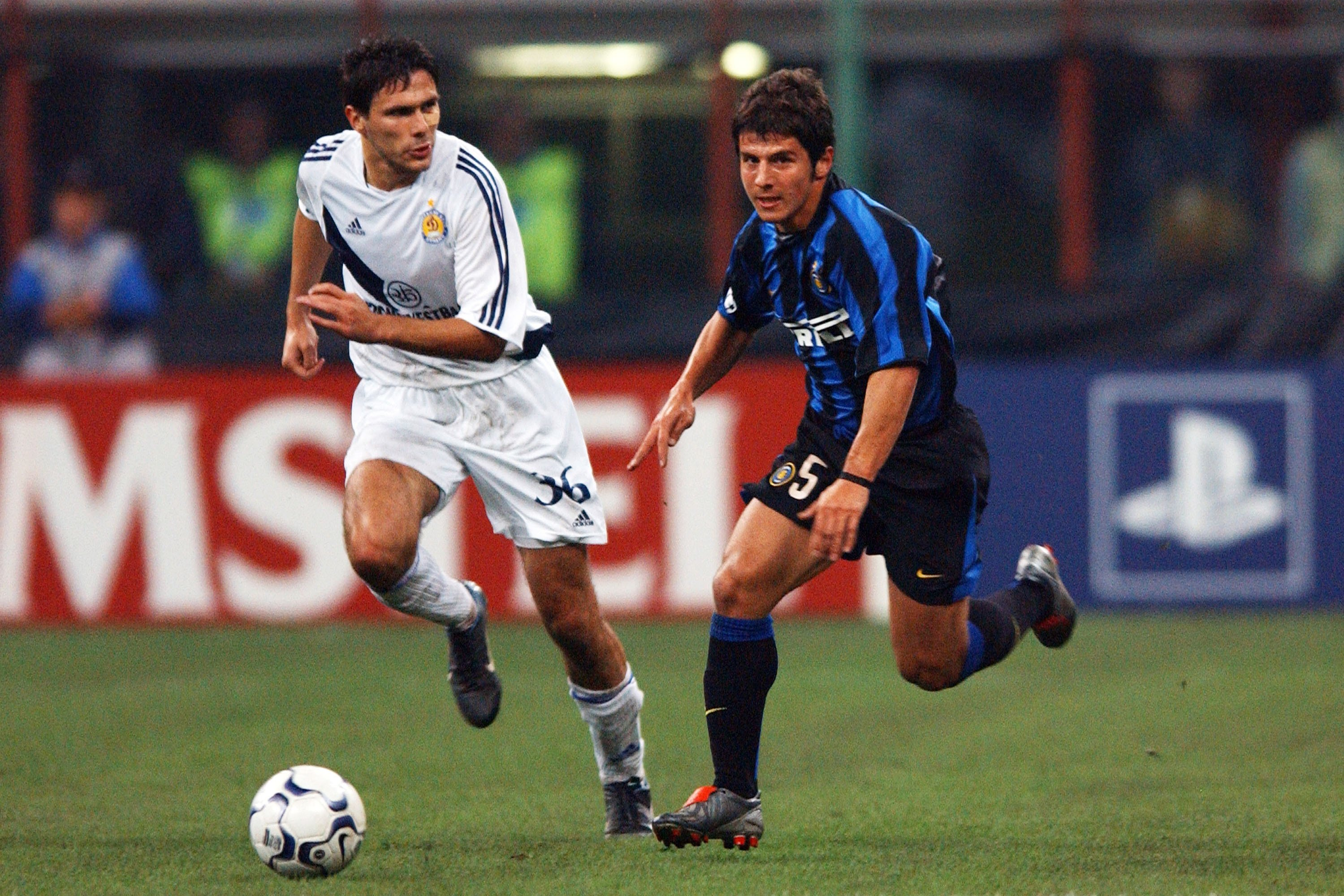 Emre Belözoğlu (R), during a UEFA Champions League match between Inter Milanand Dynamo Kyiv, at the Stadio Giuseppe Meazza, in Milan, Italy, Sept. 30, 2003. (Getty Images)