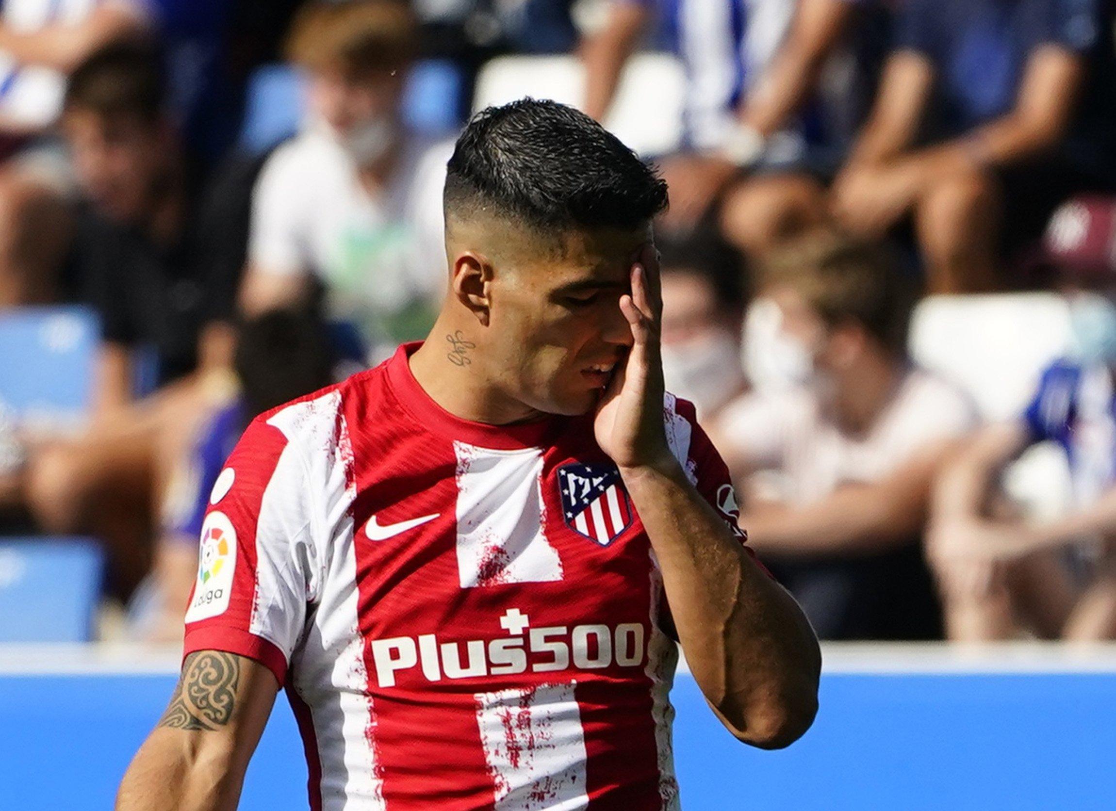 Atletico Madrid's Luis Suarez reacts during a La Liga match against Alaves at Estadio Mendizorroza, Vitoria-Gasteiz, Spain, Sept. 25, 2021.
