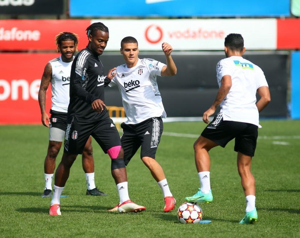 Beşiktaş players attend a training session ahead of their UEFA Champions League match against Ajax, Istanbul, Turkey, Sept. 25, 2021. (DHA Photo)