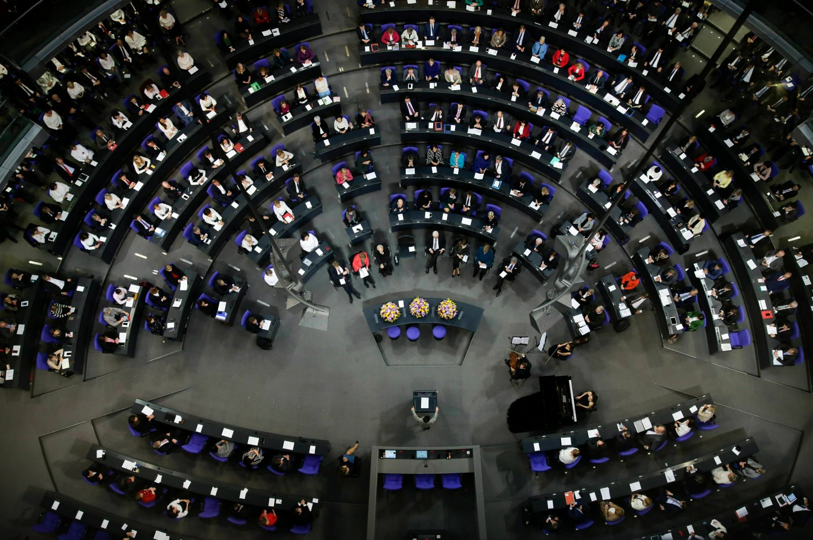 German lawmakers attend a special parliament session at the Reichstag building, host of the German federal parliament, Bundestag, in Berlin, Germany, Jan. 17, 2019. (AP File Photo)