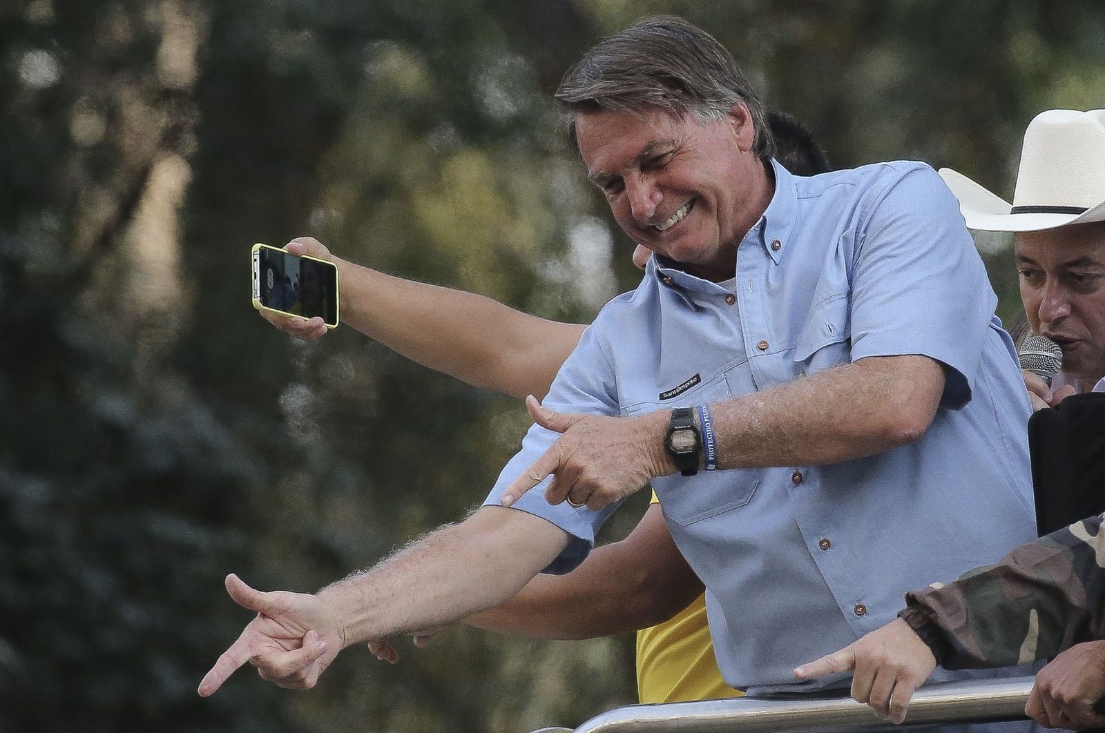 Brazilian President Jair Bolsonaro greets his fans during a demonstration in his support in Sao Paulo, Brazil, Sept. 7, 2021. (AFP Photo)