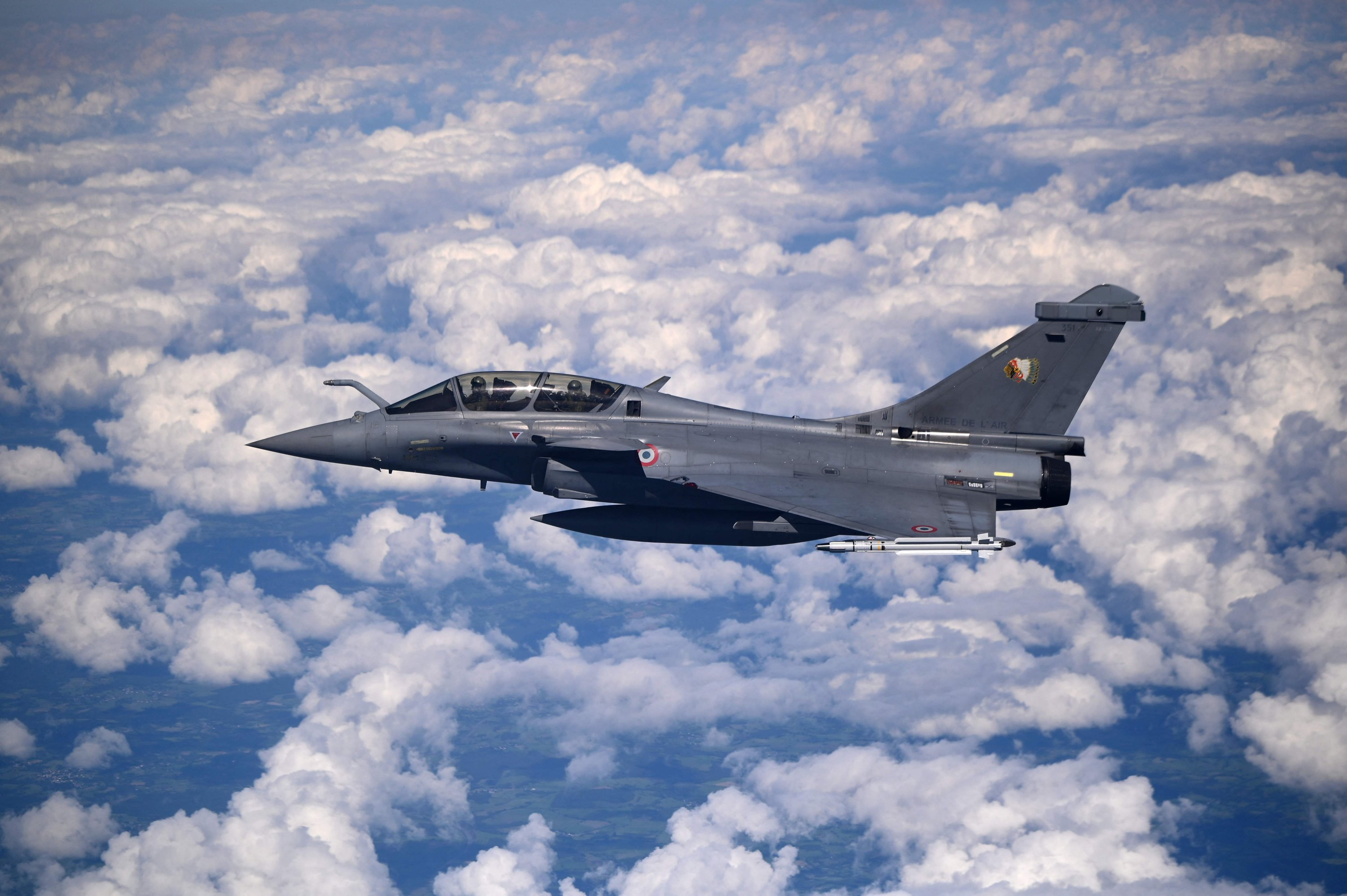 A French twin-engine, canard delta wing, multirole fighter aircraft Rafale mid-flight on Sept. 11, 2021. (AFP Photo)