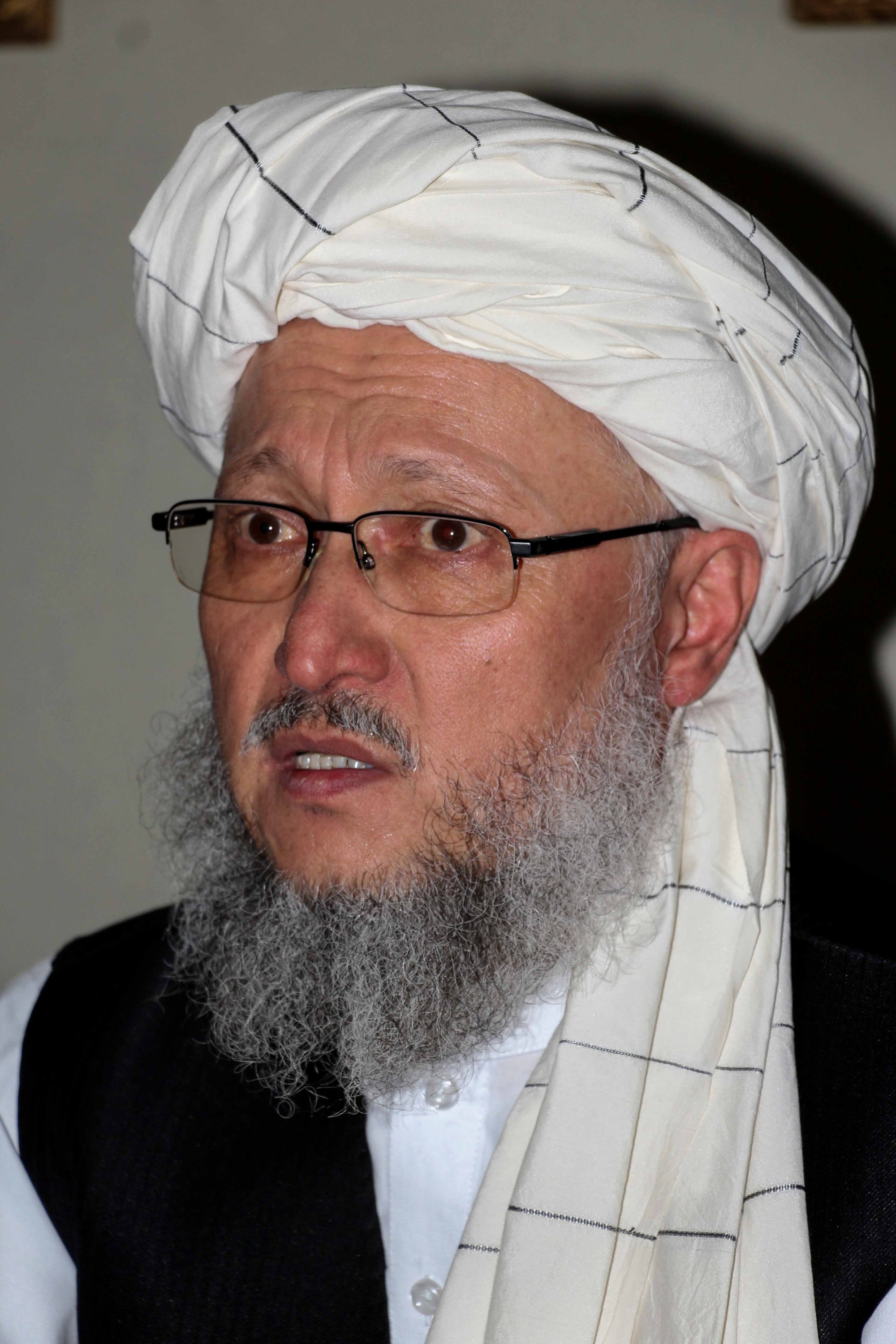 The newly formed Taliban-led interim government's Second Deputy Prime Minister Abdul Salam Hanafi speaks to journalists in Kandahar, Afghanistan, Aug. 17, 2021. (EPA Photo)