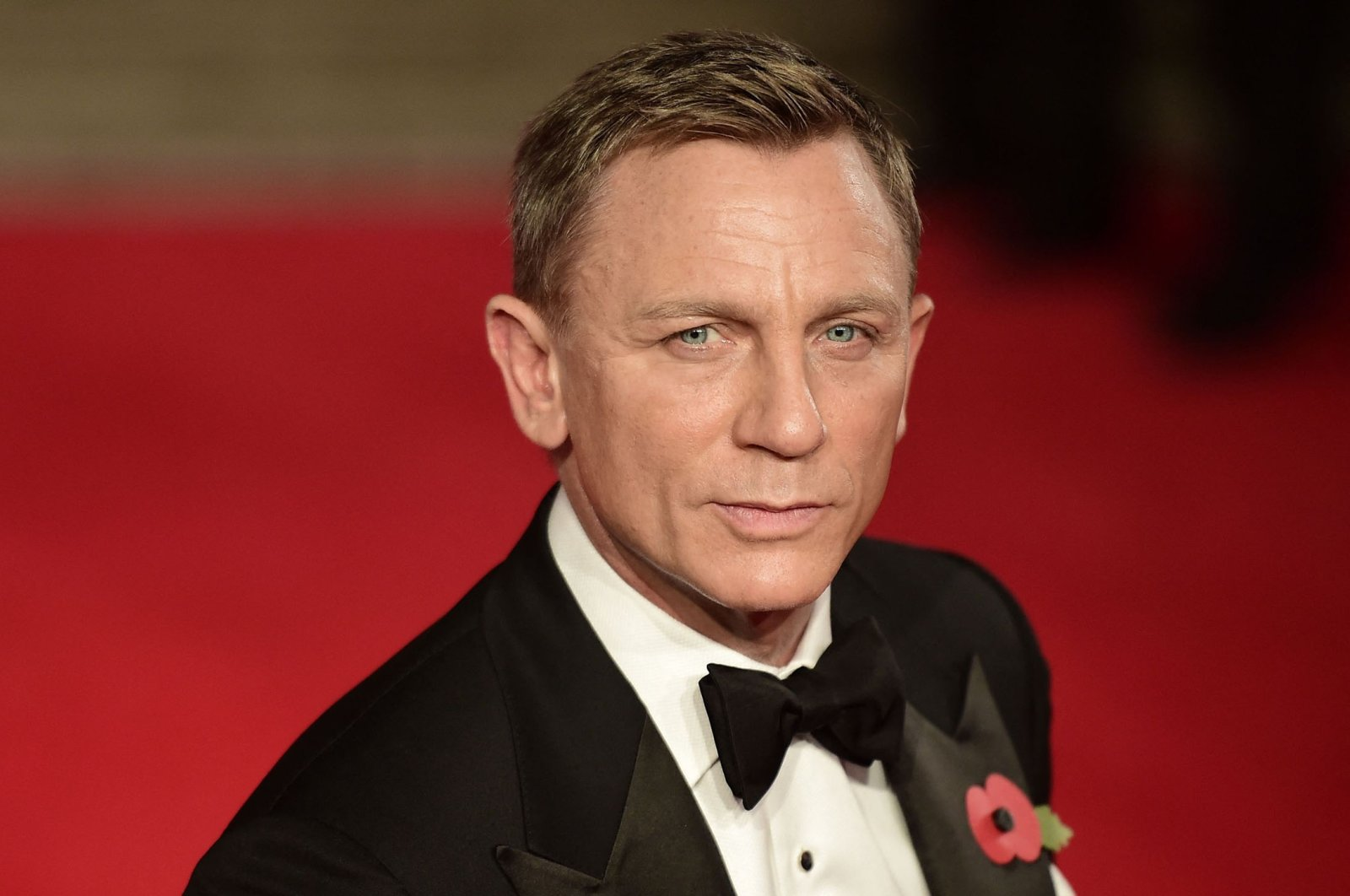"""British actor Daniel Craig arrives for the world premiere of his James Bond film """"Spectre"""" at the Royal Albert Hall in London, U.K., Oct. 26, 2015. (AFP Photo)"""