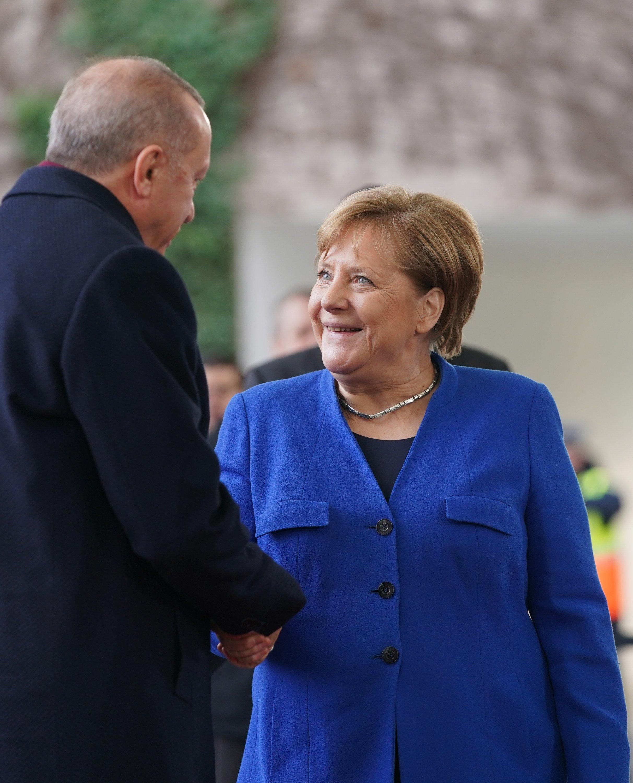 Şansölye Angela Merkel (CDU), Cumhurbaşkanı Recep Tayyip Erdoğan'ı Berlin, Almanya, 19 Ocak 2020'de Libya Konferansı Federal Şansölyesi önünde kabul etti (Getty Images Photo)