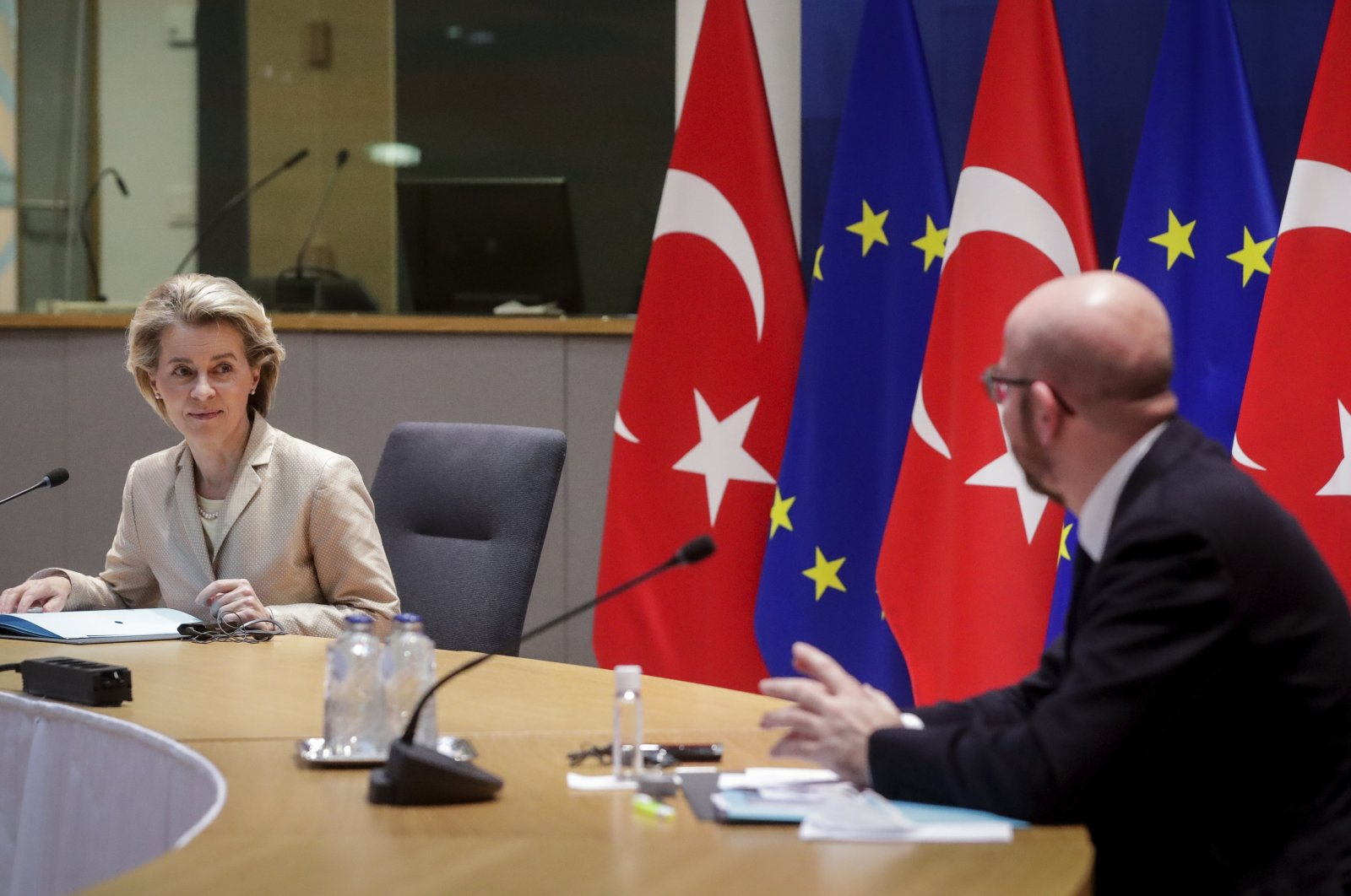 European Commission President Ursula von der Leyen (L) and European Council President Charles Michel participate in a videoconference meeting with Turkey's President Recep Tayyip Erdoğan at the European Council building in Brussels, Belgium, March 19, 2021. (Stephanie Lecocq, Pool via AP)
