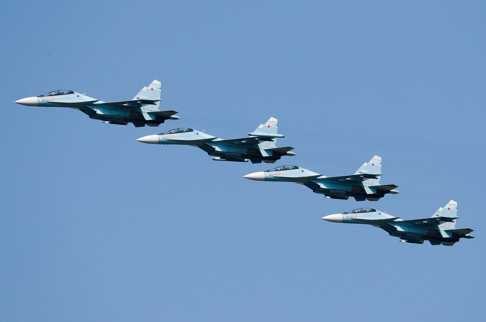 Russia's Sukhoi Su-30SM fighter jets take part in an air show as part of the Army 2021 International Military and Technical Forum in Rostov-on-Don region, southern Russia, Aug. 29, 2021. (Reuters Photo)