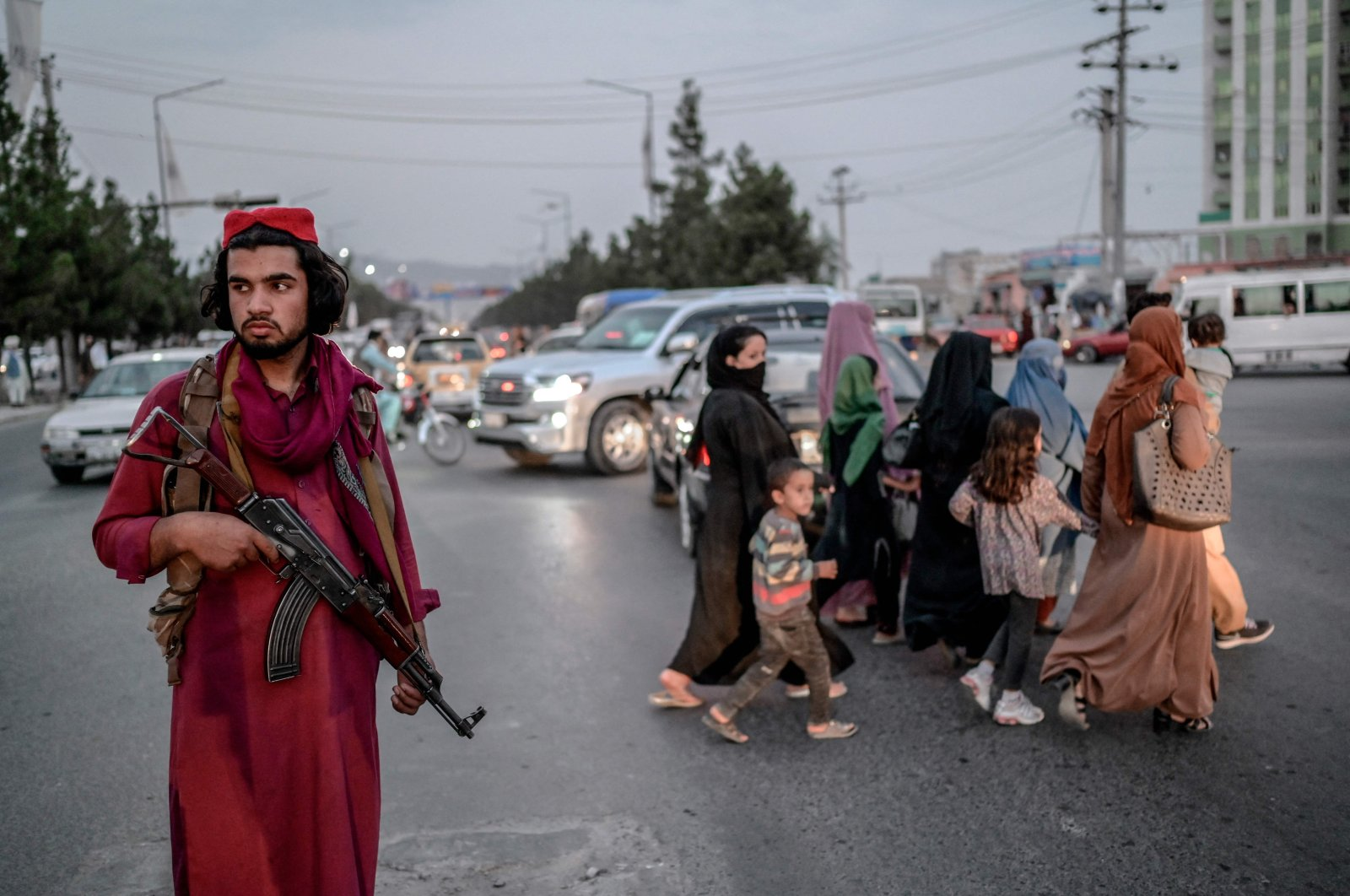 A member of the Taliban stands guard along a road in Kabul, Afghanistan, Sept. 30, 2021. (AFP Photo)