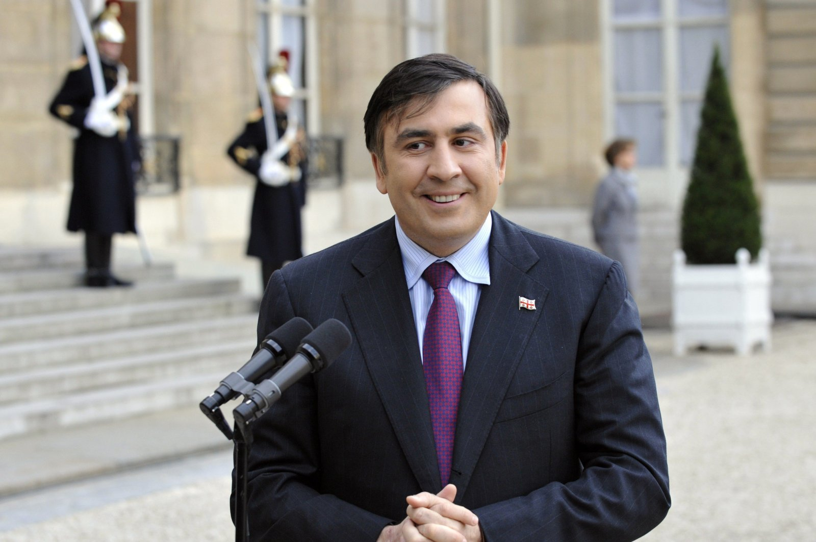 A file photo shows former Georgian President Mikheil Saakashvili addressing journalists after a bilateral meeting with his French counterpart at the Elysee Palace in Paris, France, Nov. 13, 2008. (AFP Photo)