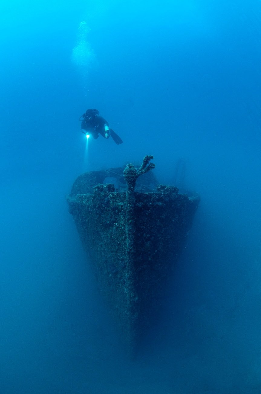 A diver visits wreckage of a battleship was sunk in the World War I Gallipoli Campaign off the coast of Canakkale, Turkey in this undated handout photo. (Directorate of Gallipoli Historic Site/Handout via REUTERS)