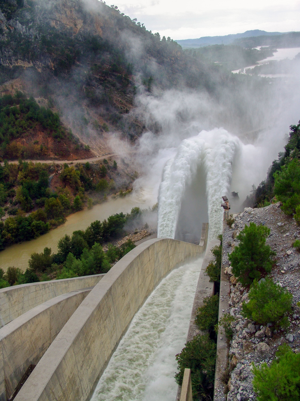 Oymapınar hydroelectric power plant's spillway discharge, in Antalya, Turkey. (Shutterstock Photo)