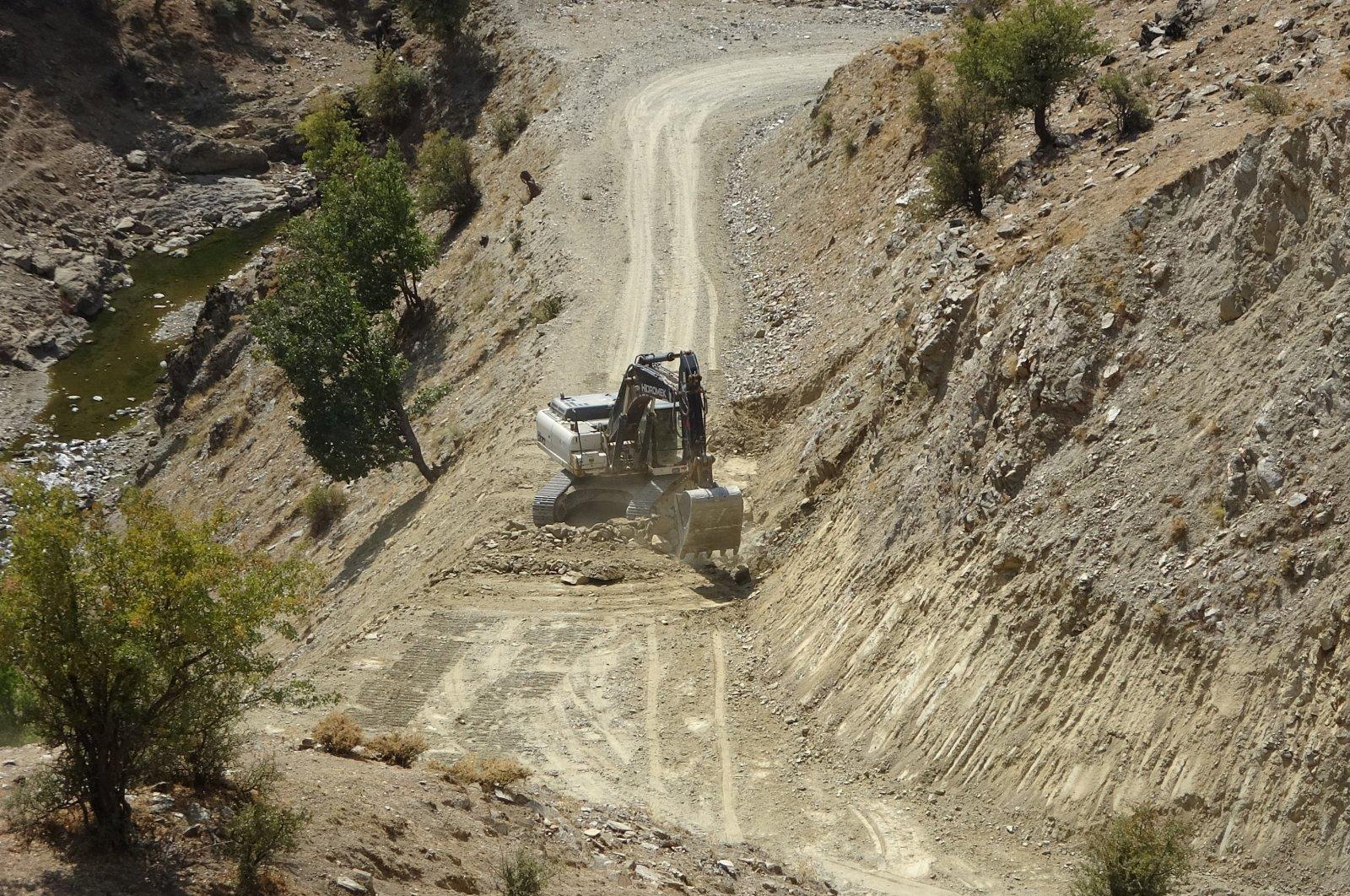 Roadwork near the Kayalısu village in Turkey's Muş province in this undated file photo. (IHA File Photo)