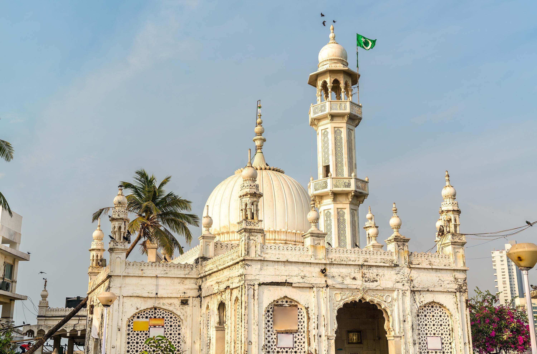 A general view from the Haji Ali Dargah, Mumbai, India. (Shutterstock Photo)