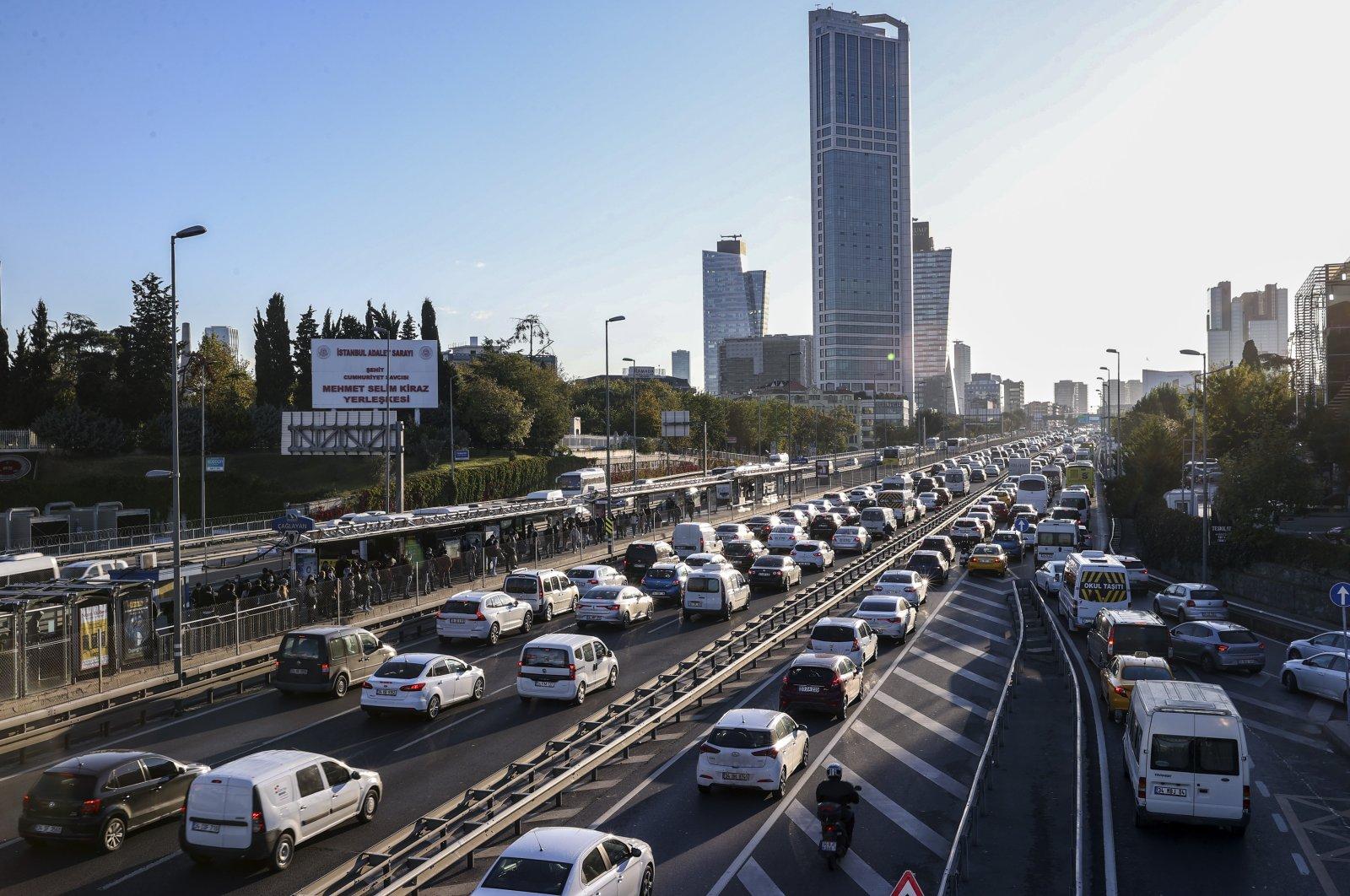Vehicles in traffic in Çağlayan neighborhood, one of the busiest areas in Istanbul, Turkey, Oct. 4, 2021. (AA PHOTO)
