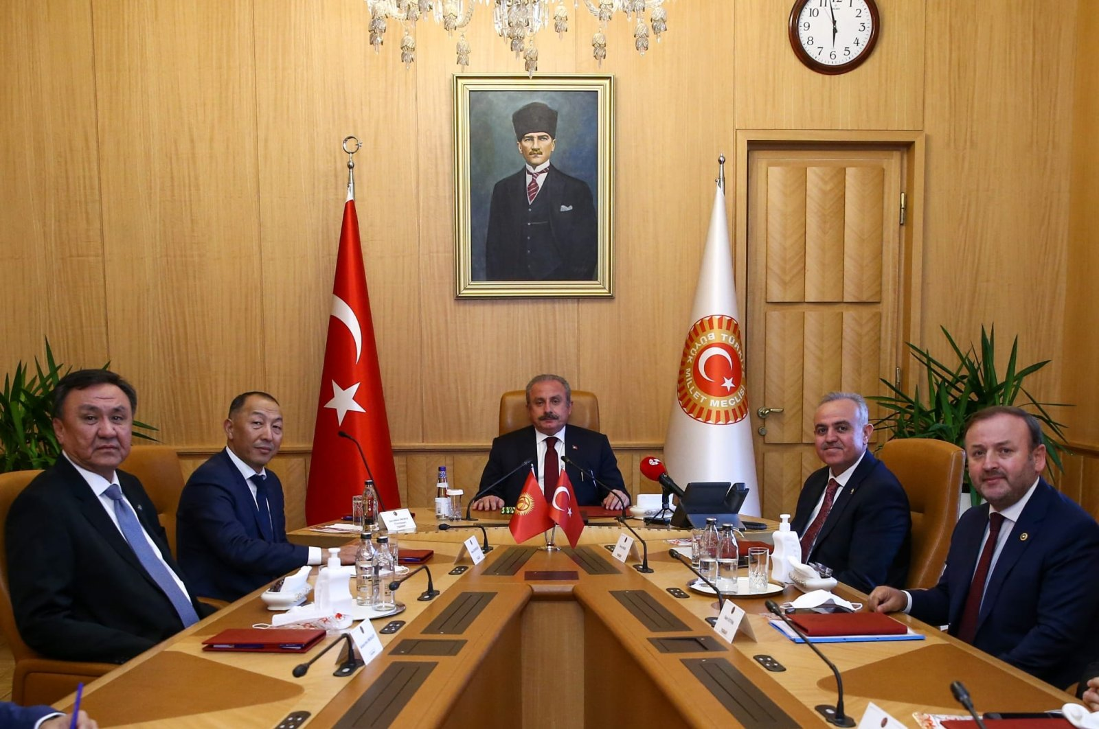 Parliament Speaker Mustafa Şentop receives Kyrgyzstan's Energy and Industry Minister Doskul Bekmurzaev and his delegation in the capital Ankara, Turkey, Oct. 5, 2021. (AA Photo)