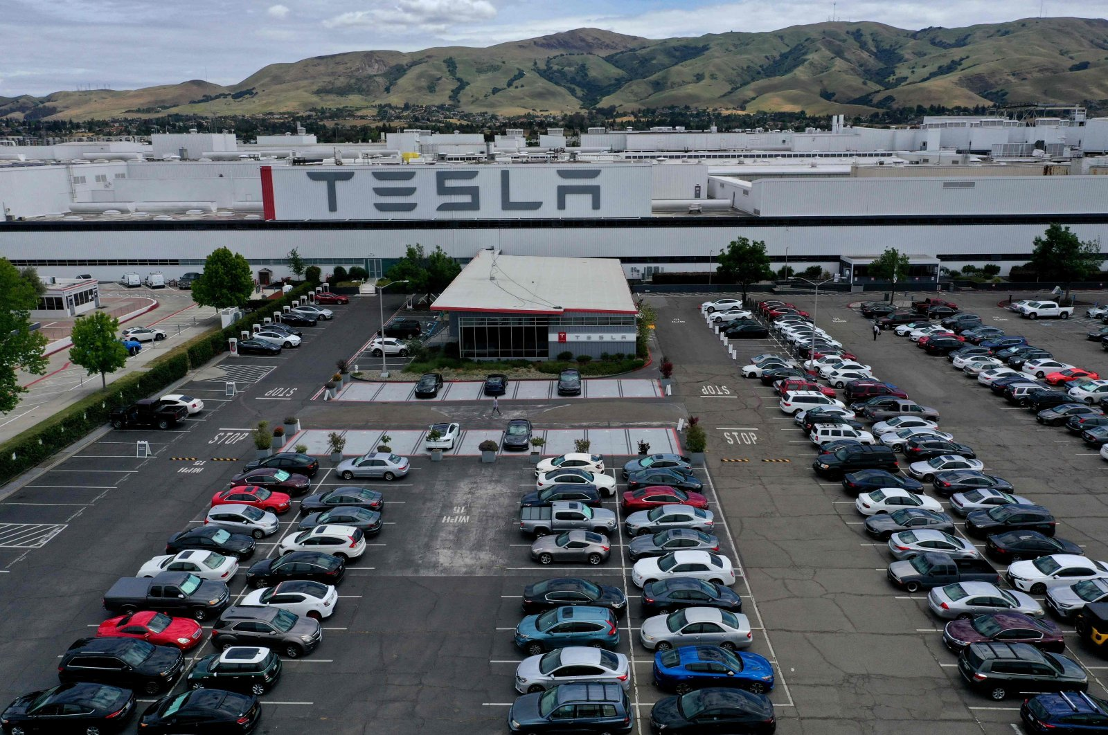An aerial view of the Tesla Fremont Factory in Fremont, California, U.S., May 12, 2020. (AFP Photo)