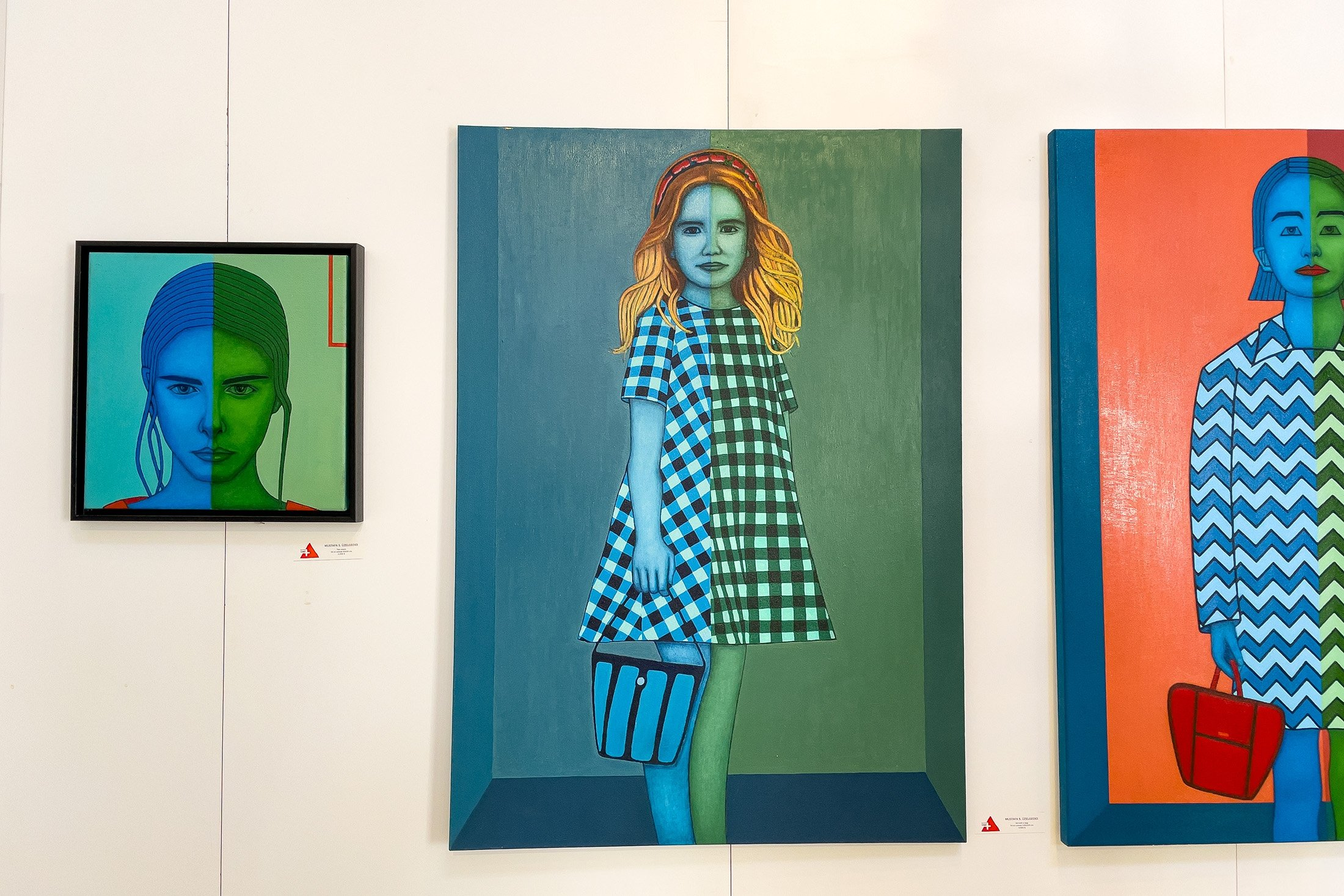 Mustafa Serdar Üzelgeçici, 'The girl with the blue bag,' 2019, oil on canvas, 140 by 100 centimeters. (Photo by Ahmet Koçak)