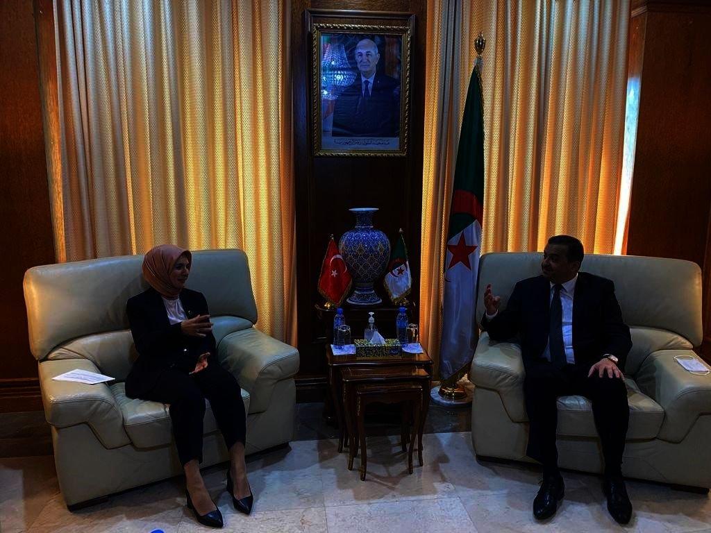 Turkish Ambassador in Algiers Mahinur Özdemir Göktaş (L) and Algeria's Energy Minister Mohamed Arkab during a meeting in Algiers, Algeria, Oct. 7, 2021. (Photo: @CezayirBE)
