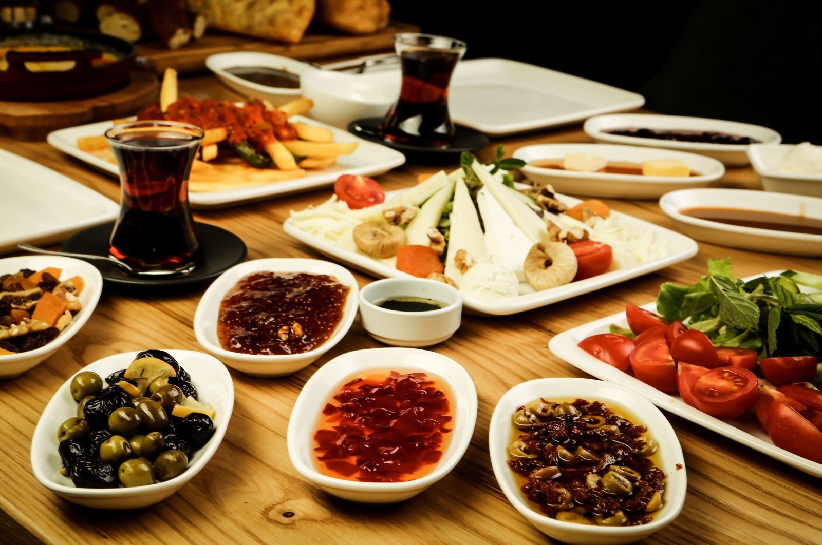 Just like a traditional Turkish breakfast, the breakfast from Van consists of a vast array of sweet and savory dishes. (Shutterstock Photo)