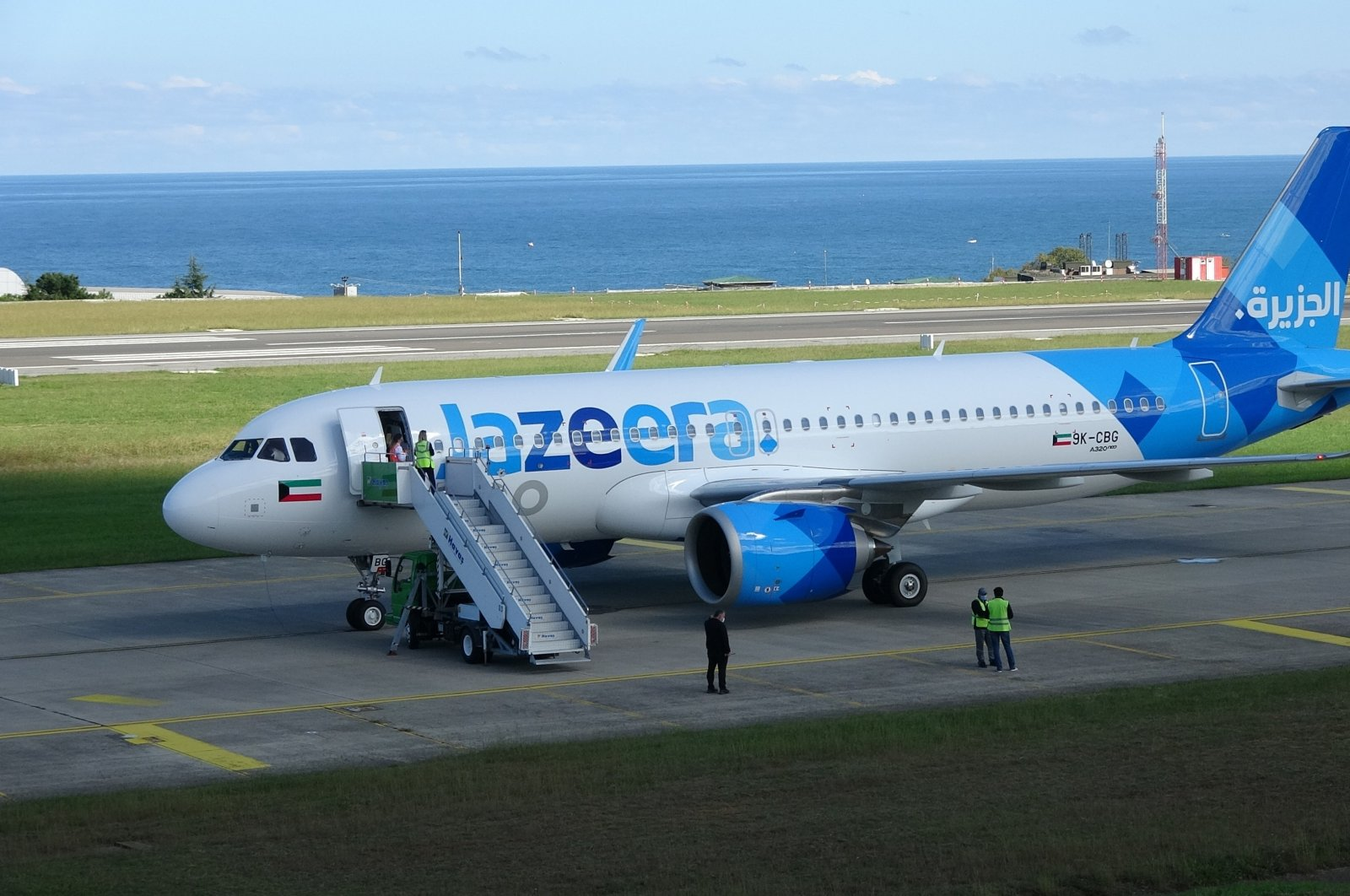 A view of the Jazeera Airways plane at the airport, in Trabzon, northern Turkey, Oct. 7, 2021. (İHA PHOTO)