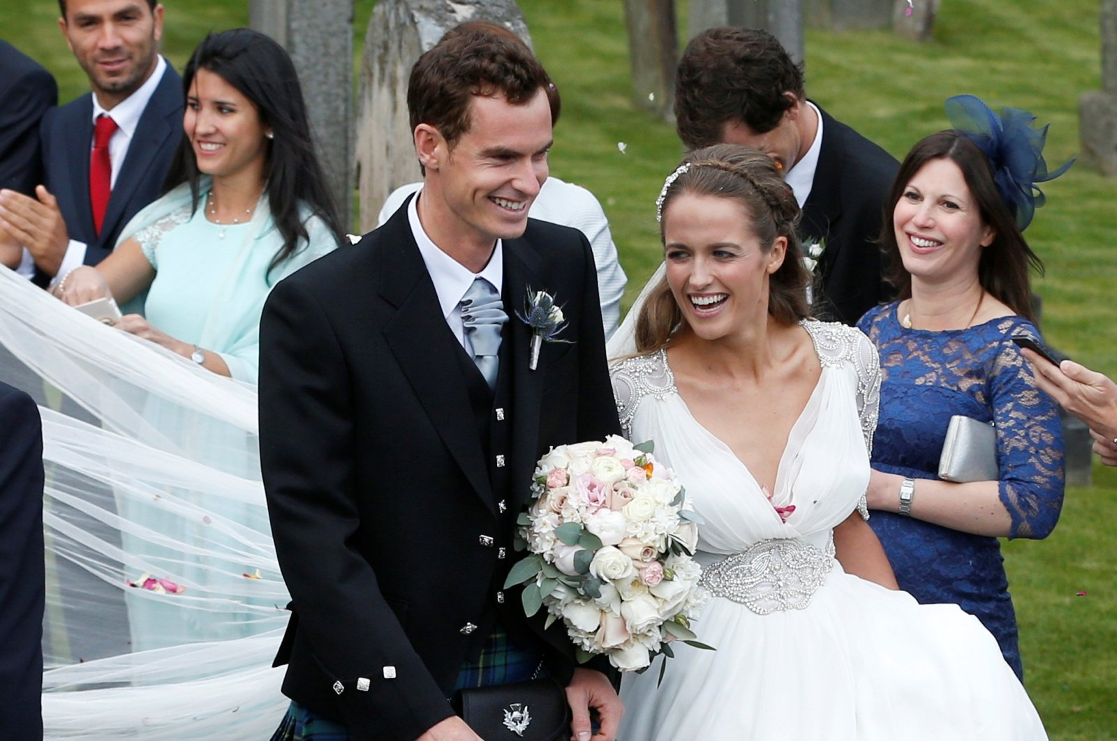 Tennis player Andy Murray leaves the cathedral after his wedding to his fiancee Kim Sears in Dunblane, Scotland, U.K., April 11, 2015. (Reuters Photo)