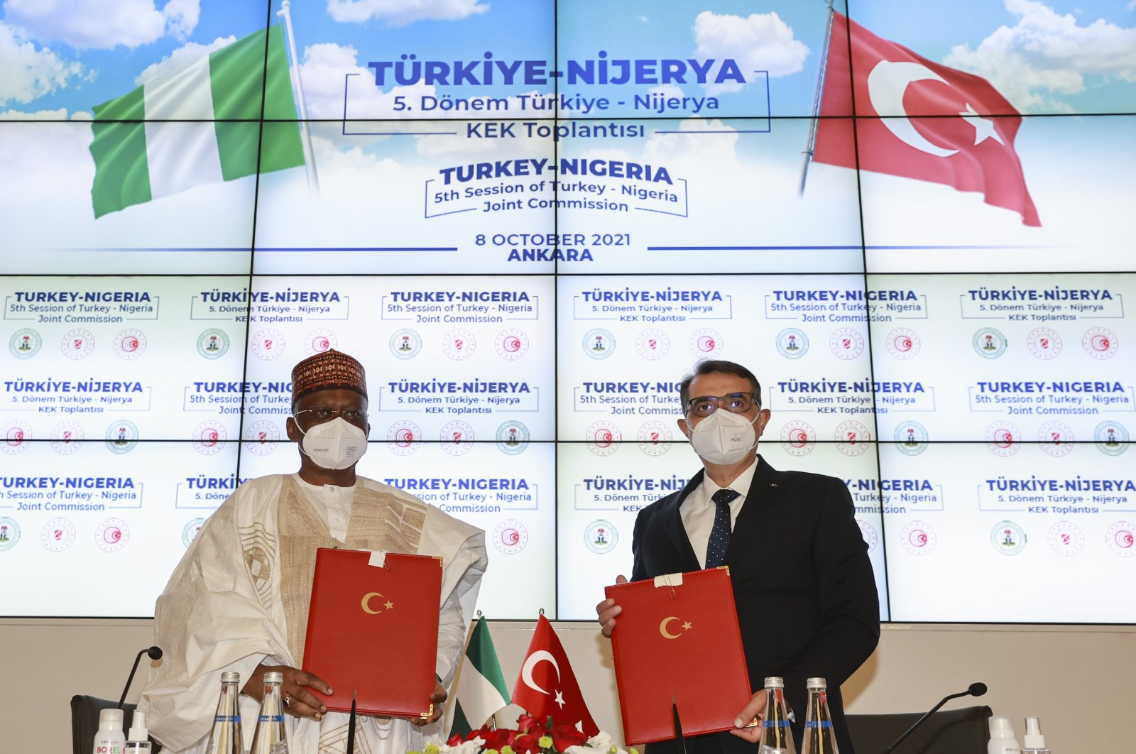 Energy and Natural Resources Minister Fatih Dönmez (R) and Nigeria's Foreign Minister Zabuiru Dada (L) during thefifth term of the Turkey-Nigeria Joint Economic Commission Meeting, Ankara, Turkey, Oct. 8, 2021. (AA Photo)