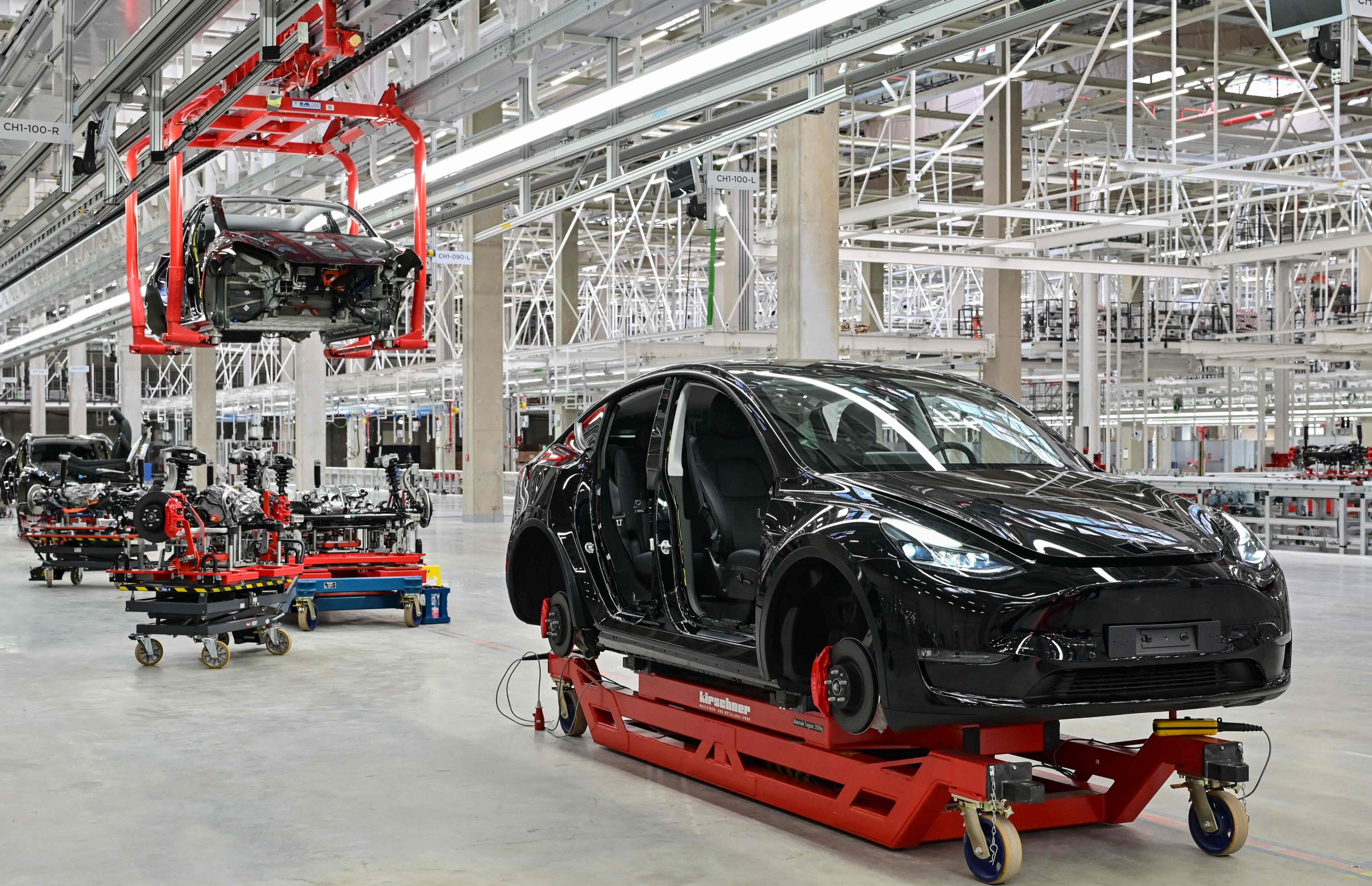 The production of the Tesla Model Y during the opening of the Tesla Gigafactory in Gruenheide, east of Berlin, Germany, Oct. 9, 2021. (AFP Photo)