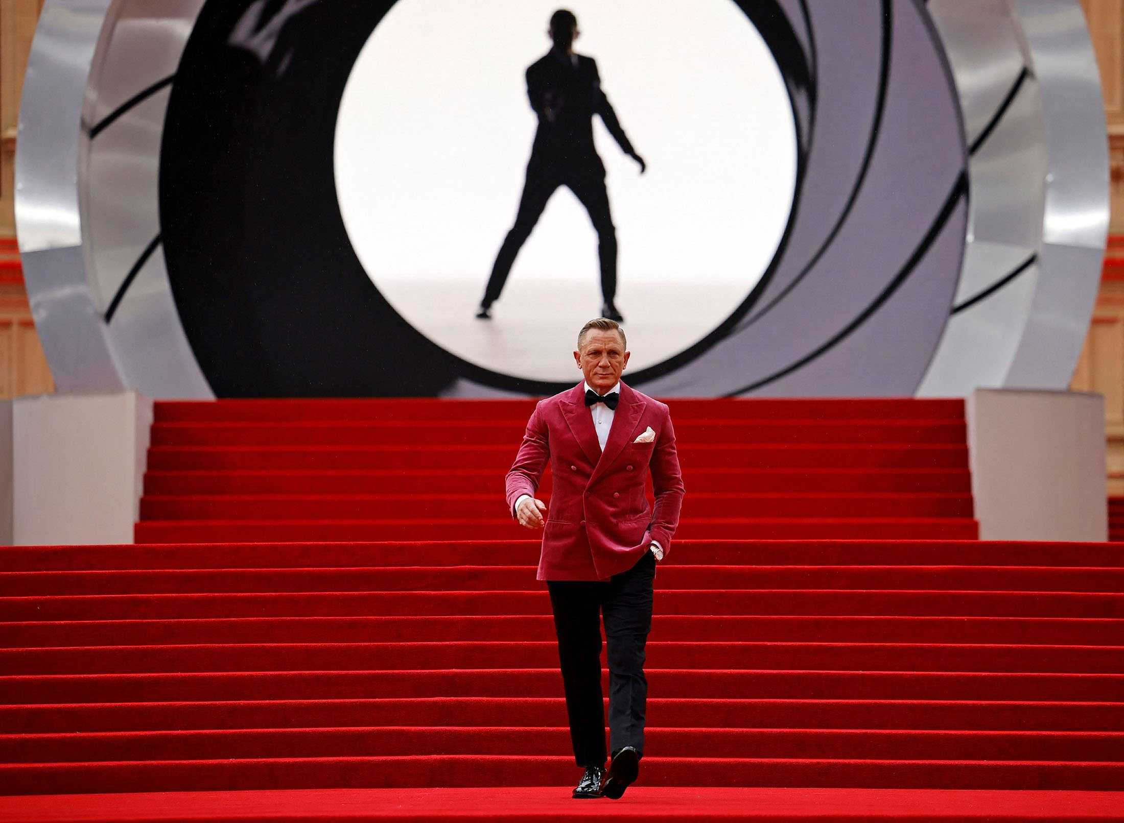 Daniel Craig walks on the red carpet at the World Premiere of the James Bond film, 'No Time To Die,' at the Royal Albert Hall, in London, U.K., Sept. 28, 2021. (AFP Photo)