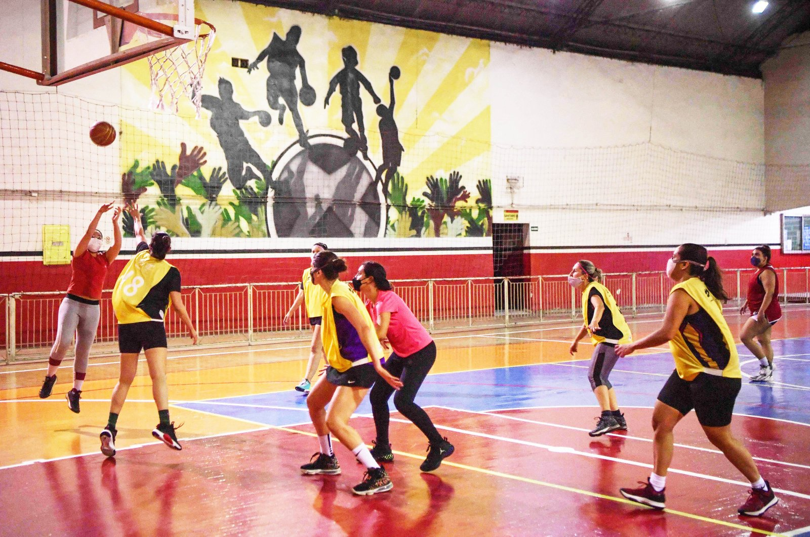 Fulaninhas amateur basketball team players in action during a training session in Sao Paulo, Brazil, Oct. 6, 2021. (AFP Photo)