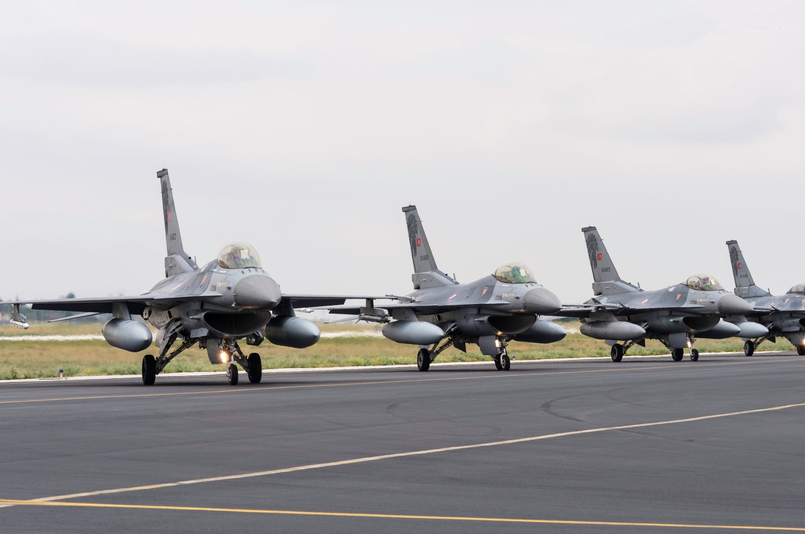 Several F-16s of the Turkish Air Forces Command gather for the Anatolian Eagle military exercise, Konya, central Turkey, June 8, 2016. (Shutterstock Photo)