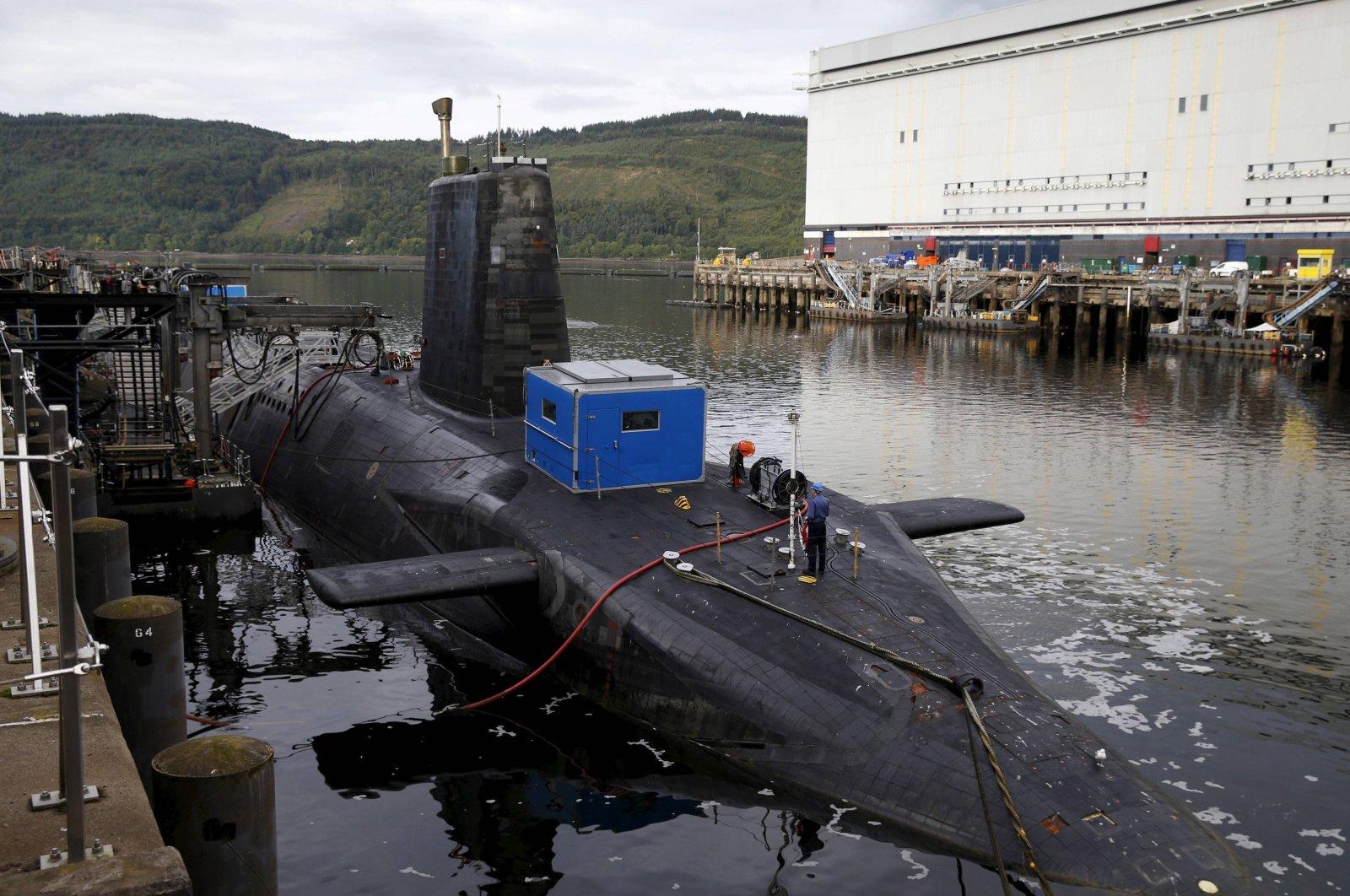 A nuclear submarine is seen at the Royal Navy's submarine base at Faslane, Scotland, Aug. 31, 2015. (Reuters Photo)